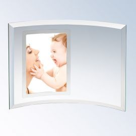 "Curved Glass Vertical Silver Photo Frame, Prism Glass (Frame: XSM - 5x7"" (3x2"" photo) Curved Vertical Silver Photo Frame)"